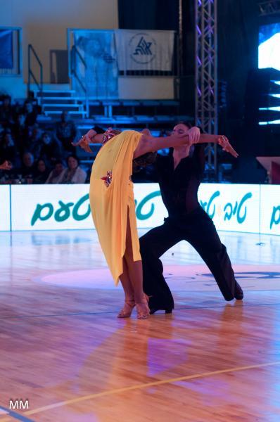 пластика и растяжка в танце
